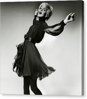 Portrait Of Goldie Hawn Canvas Print