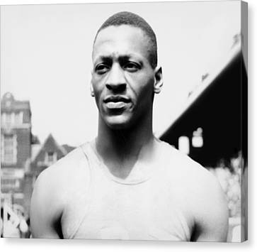 Portrait Of Jesse Owens Canvas Print by Underwood Archives