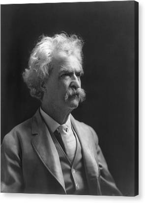 Portrait Of Mark Twain Canvas Print by Underwood Archives