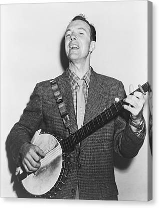 Portrait Of Pete Seeger Canvas Print by Fred Palumbo