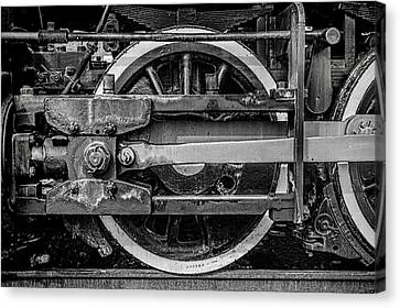 Canvas Print featuring the photograph Power Stroke by Ken Smith