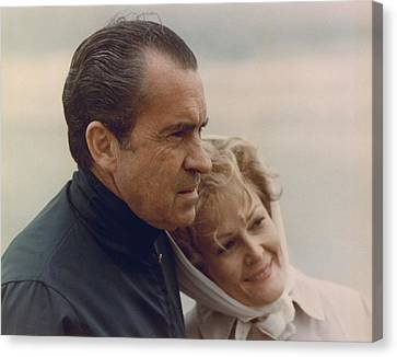 President And Pat Nixon In An Canvas Print by Everett