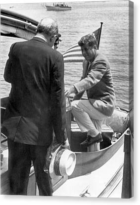 President Kennedy And Rusk Canvas Print by Underwood Archives