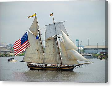 Pride Of Baltimore II Passing By Fort Mchenry Canvas Print