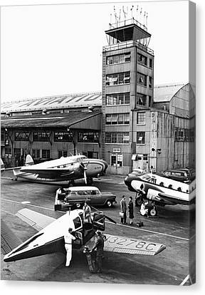 Traffic Control Canvas Print - Private Aircraft At Teterboro by Underwood Archives