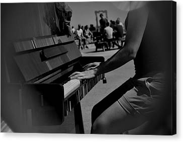 Public Music Canvas Print by Frederico Borges