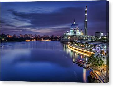 Canvas Print - Putra Mosque by Mario Legaspi