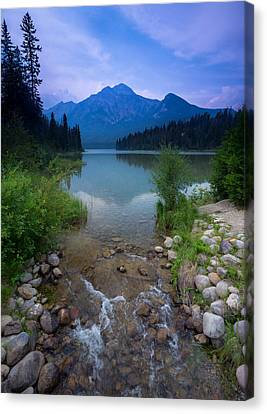Pyramid Mountain And Lake. Canvas Print by Cale Best