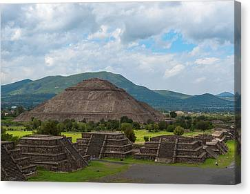 Pyramid Of The Sun As Viewed From Pyramid Of The Moon Mexico Canvas Print