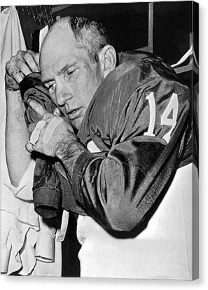 Quarterback Y.a. Tittle Canvas Print by Underwood Archives