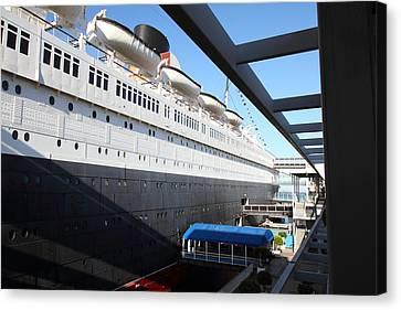 Queen Mary - 121216 Canvas Print by DC Photographer