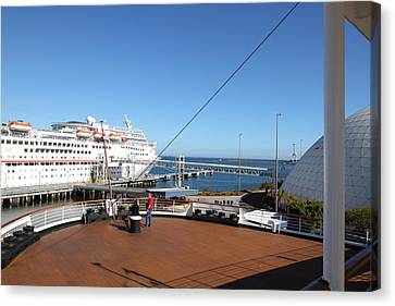 Queen Mary - 12129 Canvas Print by DC Photographer