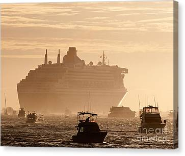 Queen Mary 2 Leaving Port 02 Canvas Print by Rick Piper Photography