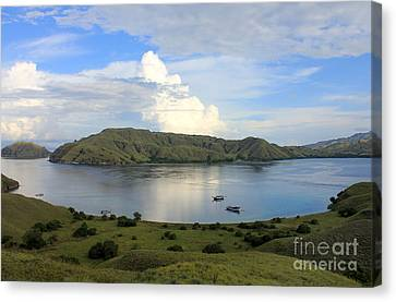 Quiet Bay Canvas Print by Sergey Lukashin