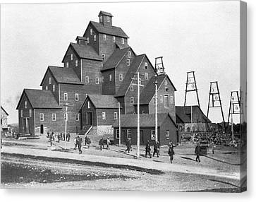 Quincy Mine No. 2 Shaft House Canvas Print by Underwood Archives