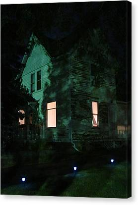 Quite The Weathered House Canvas Print by Guy Ricketts