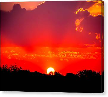 Canvas Print featuring the photograph Radiant Sunset by Dee Dee  Whittle