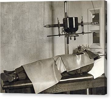 Radiation Cancer Treatment Canvas Print by Underwood Archives