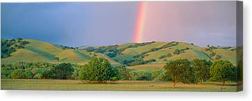 Rainbow And Rolling Hills In Central Canvas Print
