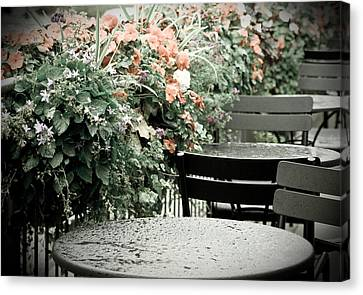 Canvas Print featuring the photograph Rainy Day At The Cafe by Erin Kohlenberg