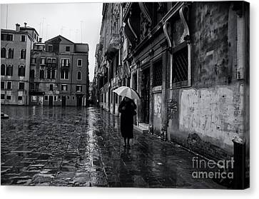 Rainy Day In Venice Canvas Print by Design Remix