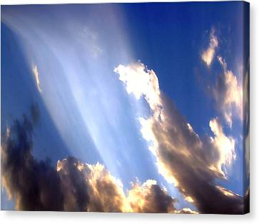 Rays Of Light Canvas Print by Jose Lopez
