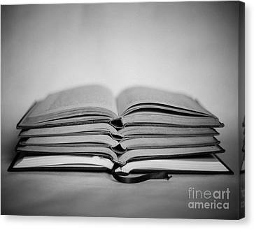 Reading Time Canvas Print by Sonja Quintero