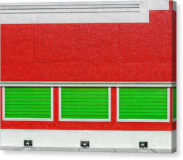 Red And Green Wall Canvas Print by Frank J Benz