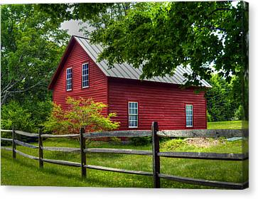 Red Barn In Tyringham - Berkshire County Canvas Print