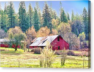 Red Country Barn Canvas Print