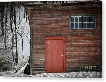 Red Door Red Barn Canvas Print by Edward Fielding