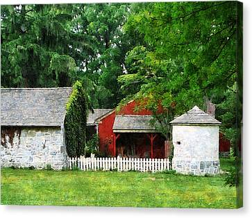 Red Farm Shed Canvas Print by Susan Savad