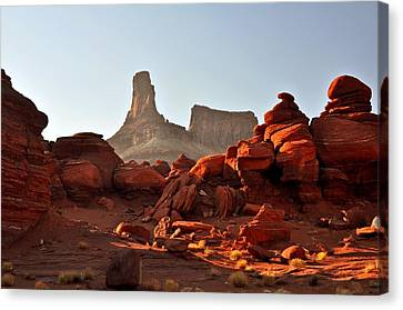 Red Rock And Spire Canvas Print by Marty Koch