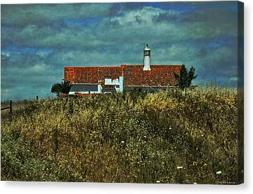 Red Roof - Road To Seville Canvas Print by Mary Machare
