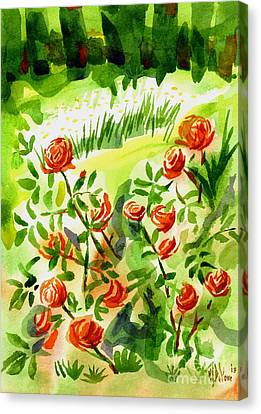 Red Roses With Daisies In The Garden Canvas Print by Kip DeVore