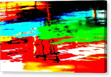 Canvas Print featuring the photograph Reflecting by Aurelio Zucco