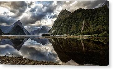 Reflecting On Milford Canvas Print