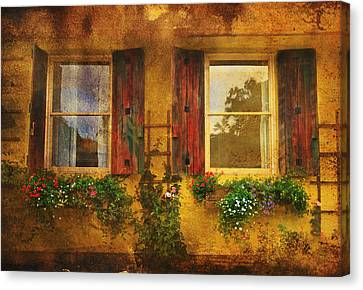 Canvas Print featuring the photograph Reflection by Kandy Hurley