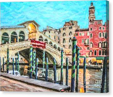 Rialto Bridge Canvas Print by Liz Leyden