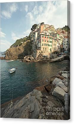 Riomaggiore In The Cinque Terre Canvas Print by Matteo Colombo