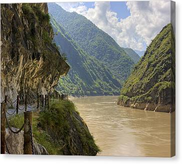 River Yangzi Canvas Print by Ray Devlin