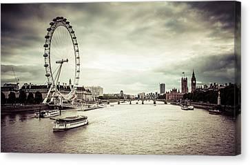 Londoners Canvas Print - Riverbank 2 by Daniel Kocian