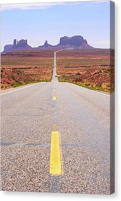 Road To Monument Valley. Canvas Print by Mark Williamson