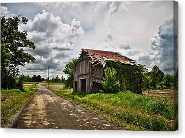 Roadside Barn Canvas Print