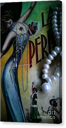 Roaring Twenties Elegance And Pearls Canvas Print