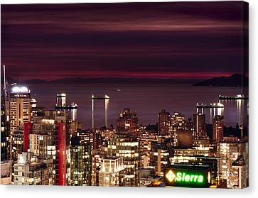 Canvas Print featuring the photograph Romantic English Bay Mdcci by Amyn Nasser