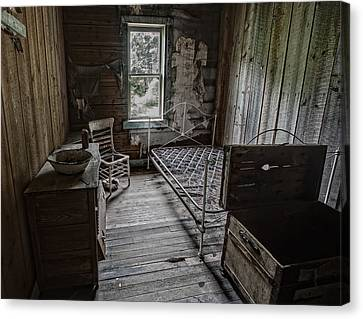 Room At The Wells Hotel - Montana Canvas Print by Daniel Hagerman