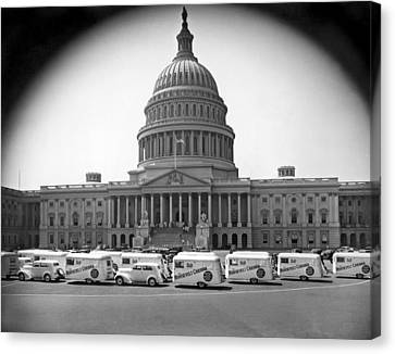 Roosevelt Caravan Trailers Canvas Print by Underwood Archives