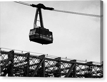 Roosevelt Island Aerial Tram Cable Car And Queensboro Bridge New York City Nyc Canvas Print