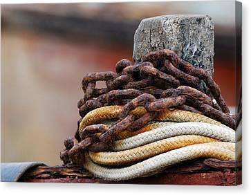 Canvas Print featuring the photograph Rope And Chain by Wendy Wilton